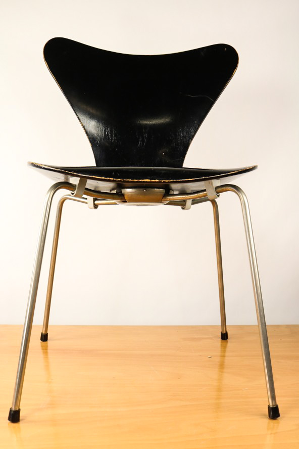 Fritz Hansen 3107 Arne Jacobsen Stapel Stuhl Schwarz Serie 7 Vintage Chair