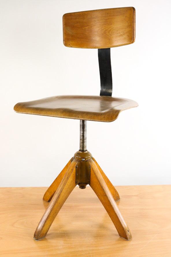 alter b ro stuhl f r werkstatt schreibtisch etc d r g m 30er 40er work chair ebay. Black Bedroom Furniture Sets. Home Design Ideas