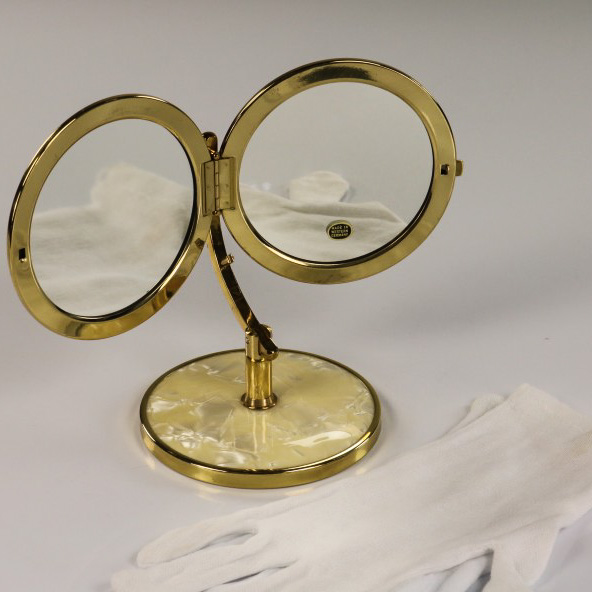 alter kosmetik schmink tisch spiegel perlmutt design neuwertig 50er jahre ebay. Black Bedroom Furniture Sets. Home Design Ideas