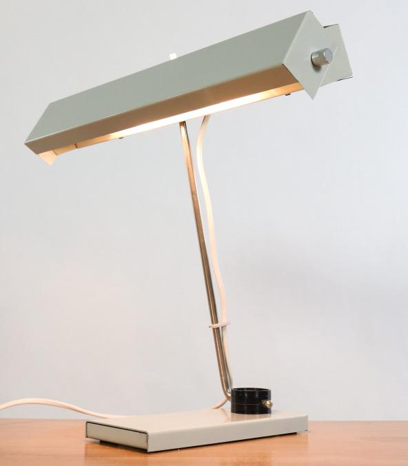 Tisch leuchte klaus musinowski industrie design ddr lampe for Design tisch 70er